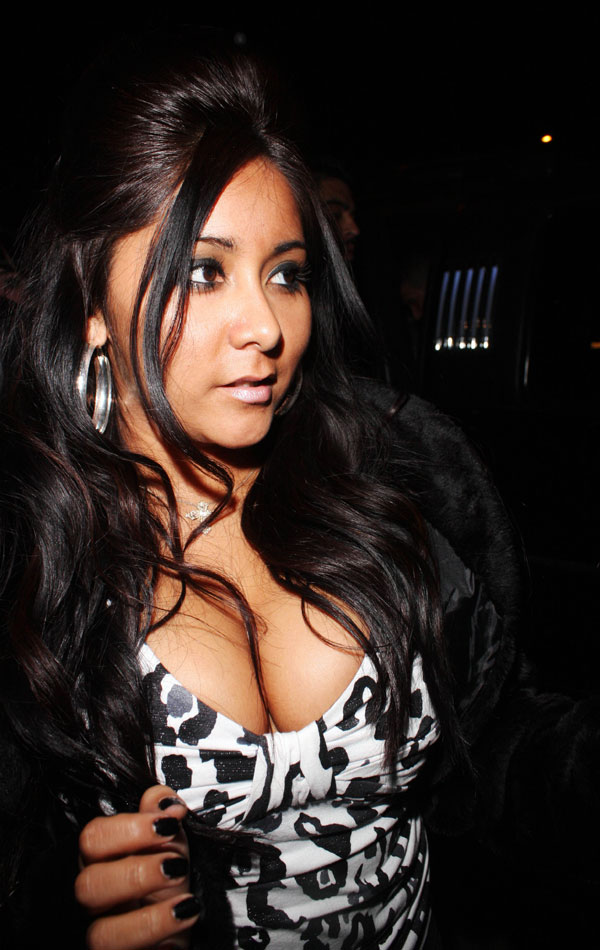 snooki naked boobs