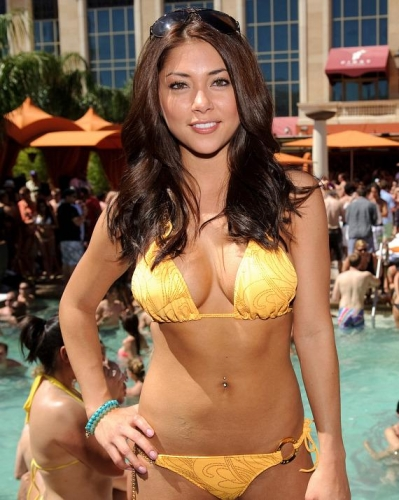 arianny celeste is hot in a swimsuit