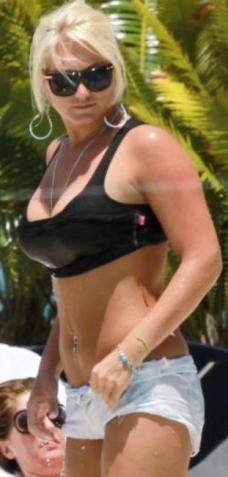 brooke hogan huge implants