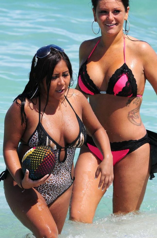 j-woww and snooki's breasts in swimsuits