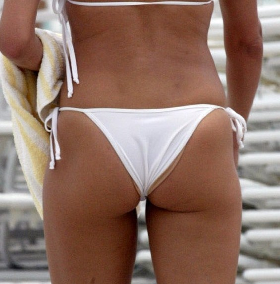 cameron diaz ass thong bathing suit Cameltoe Diaz, (I mean) Cameron Diaz White See Through Bikini Pics