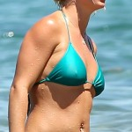 britney spears nipples 150x150 Britney Spears Bikini Pokies & Nice Ass Close Ups!
