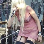 taylor momsen upskirt panties 150x150 Taylor Momsen Upskirt With See Through Panties!!!!!!