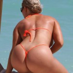 nicole coco austin naked ass 150x150 Nicole Coco Austin Bikini Pictures With Nip Slips Crotch Pics & Much ASS!!