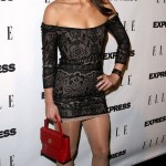 sandra vergara short skirt 150x150 Sofia Vergaras Sister Sandra Is Pretty Hot As Well