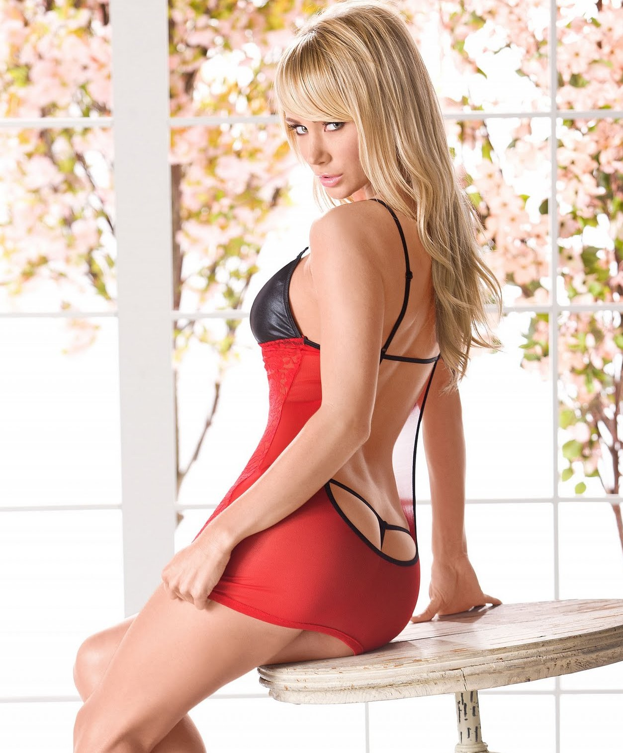 sara jean underwood ass in a thong
