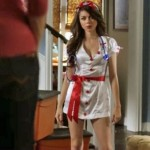 sarah hyland slutty outfit on modern family