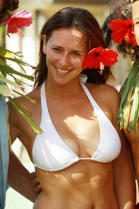 jennifer love hewitt big natural breasts