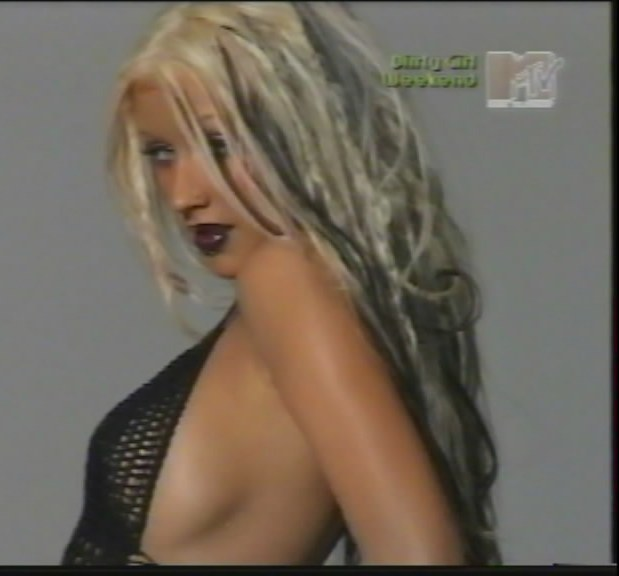 christina aguilera side boob