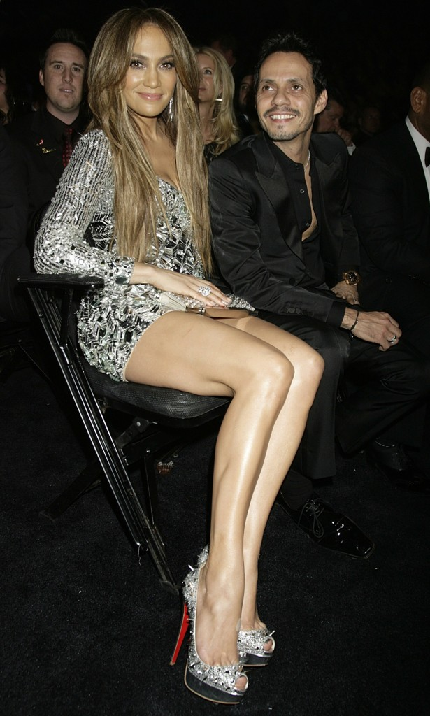 jennifer lopez legs at the grammys