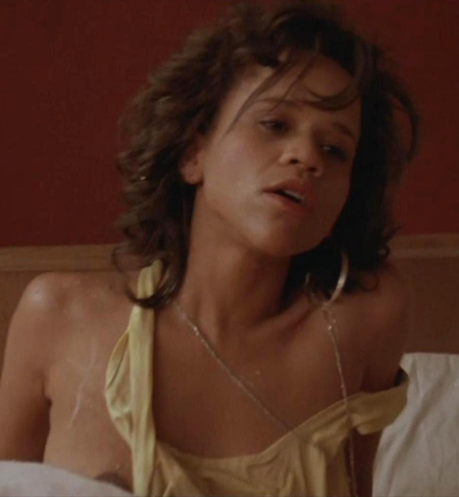 rosie perez nude 946x1024 Rosie Perezs Big Nipples Exposed In Every Sex Scene She Been Done Son