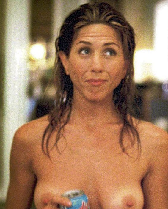 Jennifer Aniston Nude Breasts With No Bra On