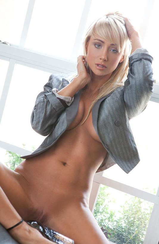 sara jean underwood vagina naked