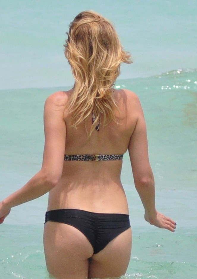 malin ackerman thong Malin Ackerman Shows Off Her Sweet Ass In A Bikini