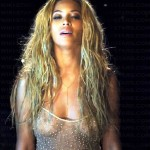 BEYONCE NIPPLES 150x150 Beyonces See Through Shirt Shows Some Nipples
