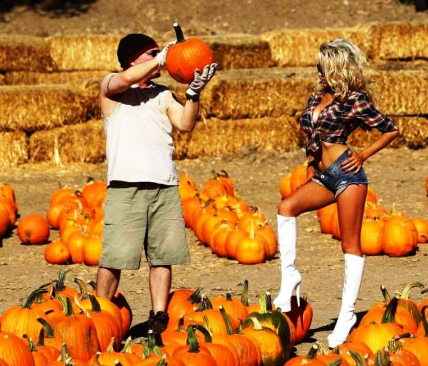 courtney stodden ass and tits in pumpkin patch slut