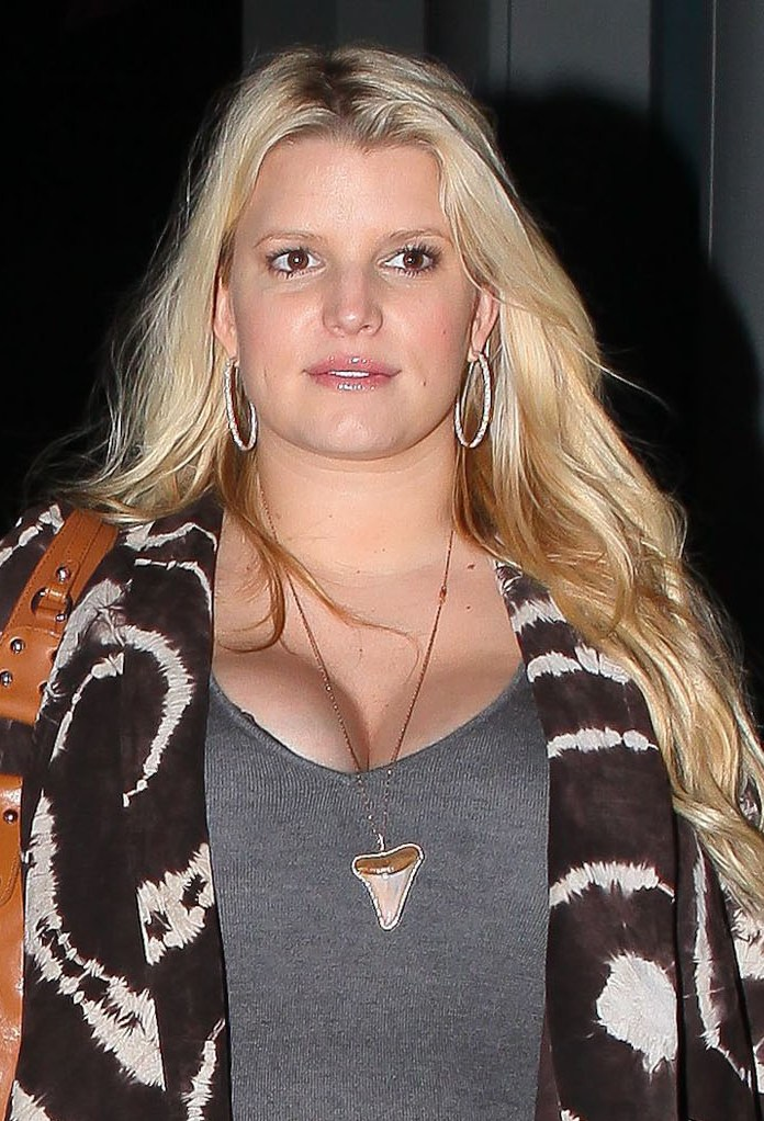 Jessica-Simpson-huge-boobs