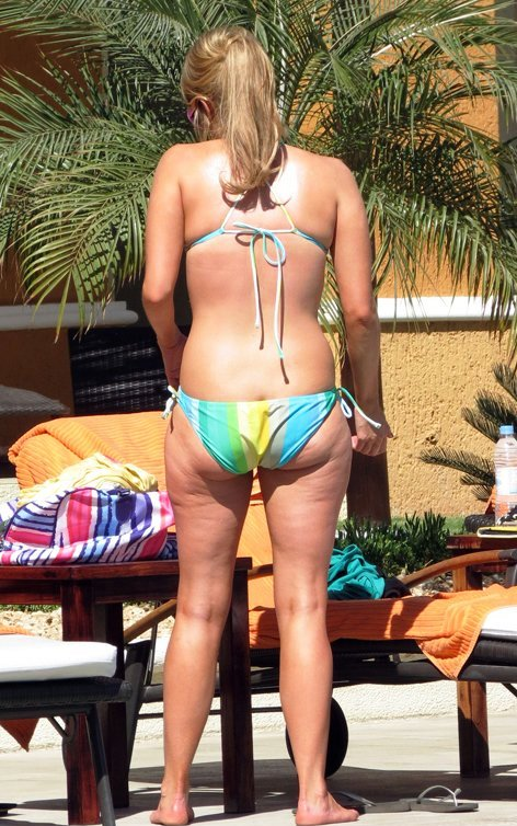 ali fedotowsky cellulite and bikini body