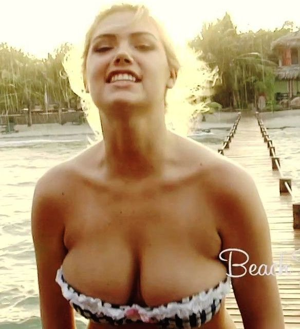kate upton beach bunny bouncing boob video