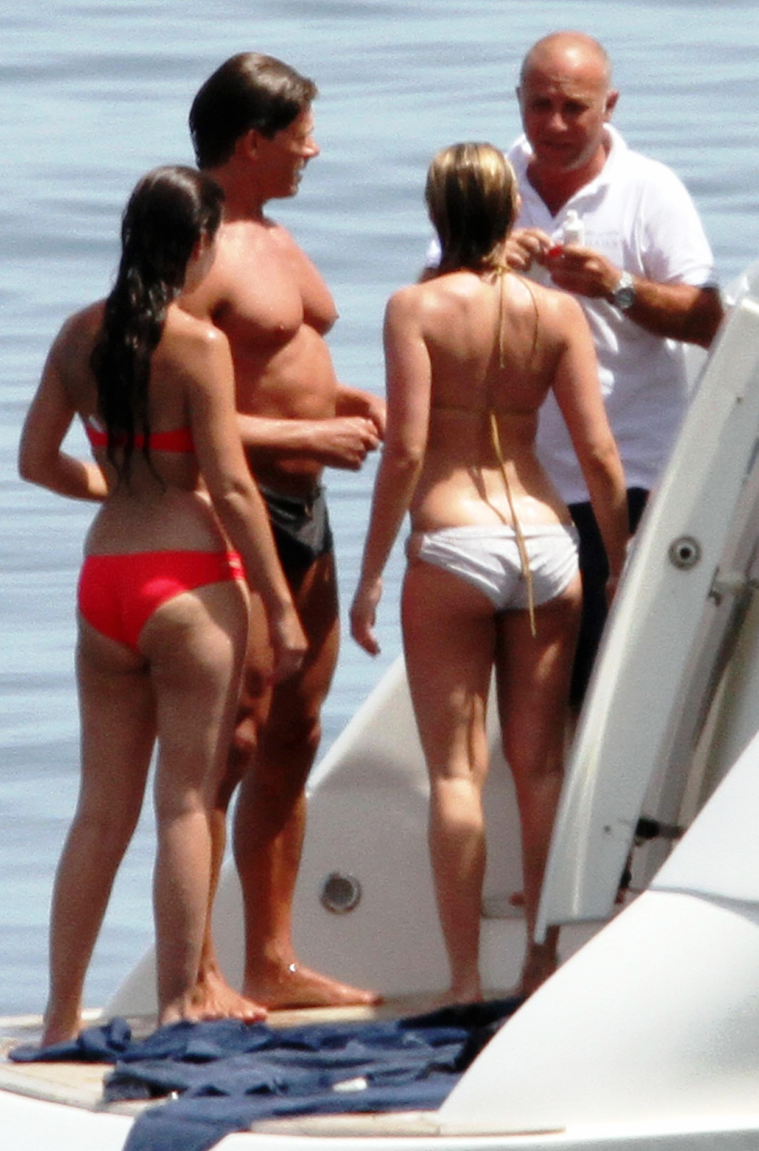 scarlett johansson ass Scarlett Johanssons BIkini Ass On A Boat