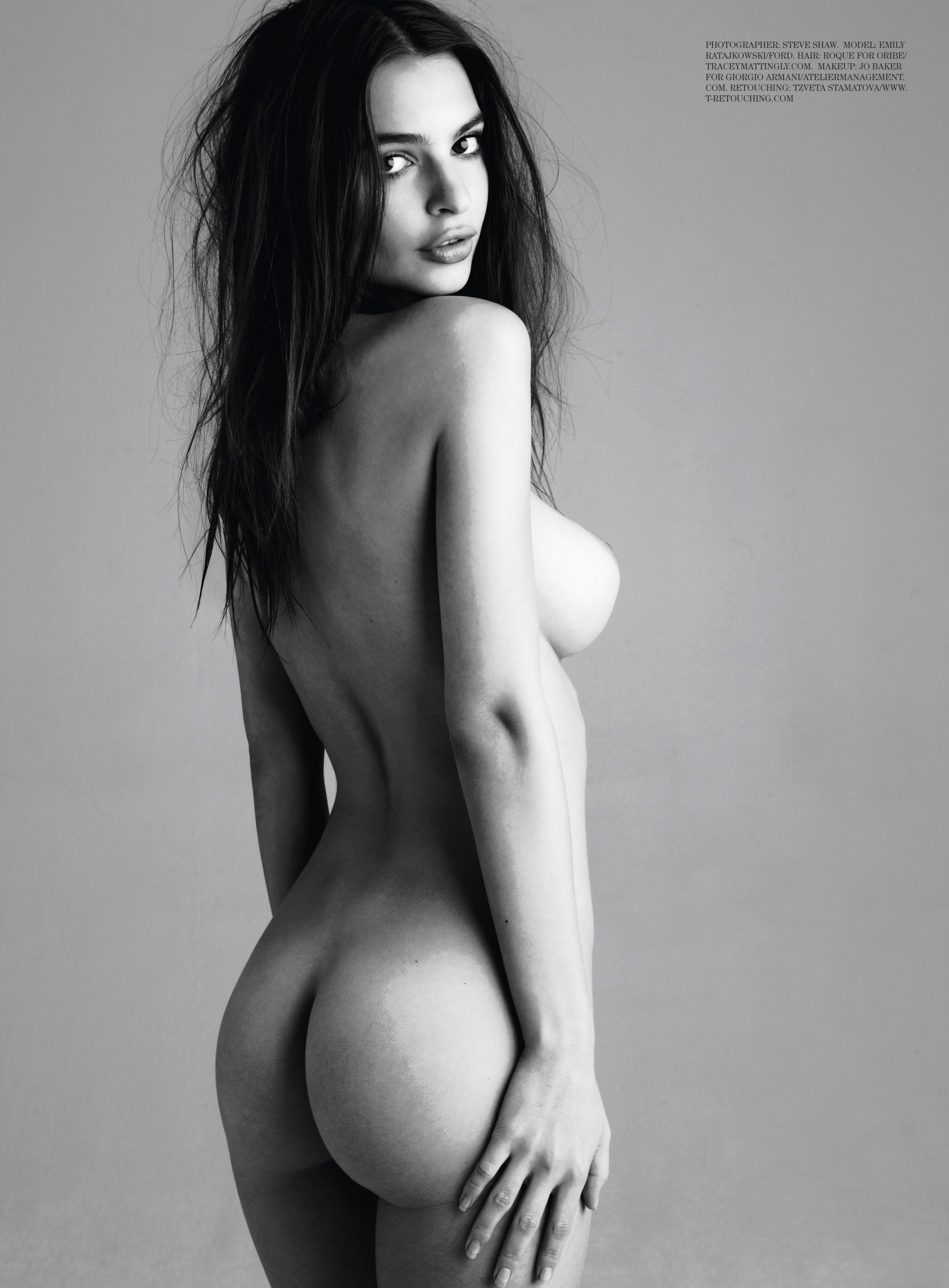 Naked Emily Ratajkowski From I Carly Does Full Frontal Nudity