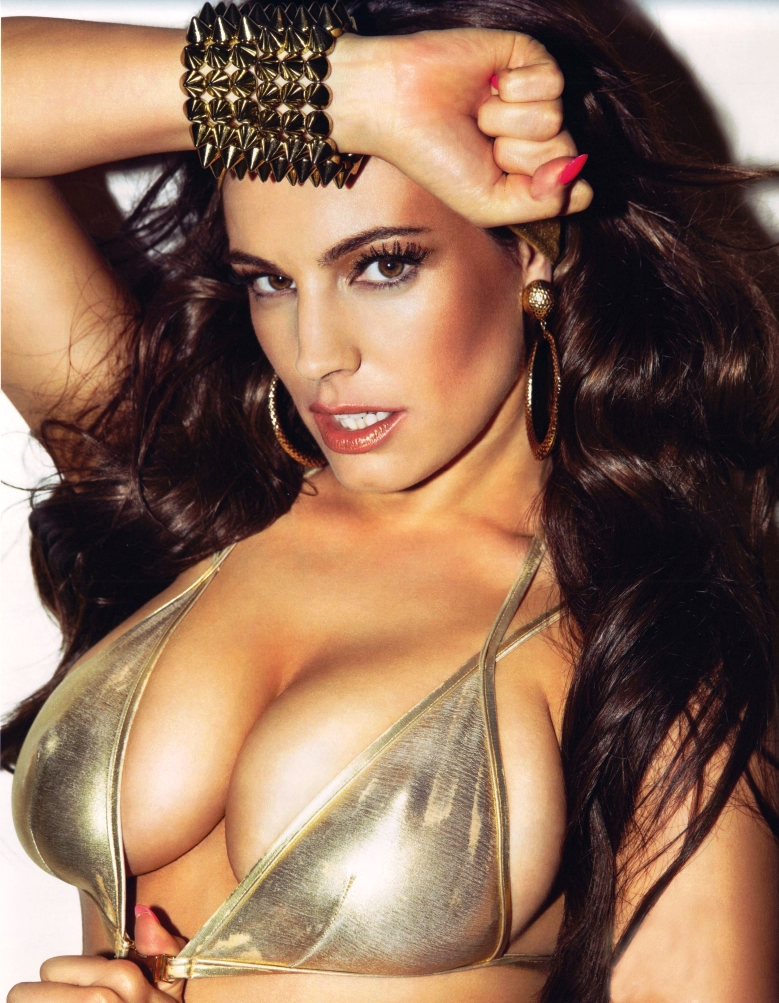 kelly brook tits`
