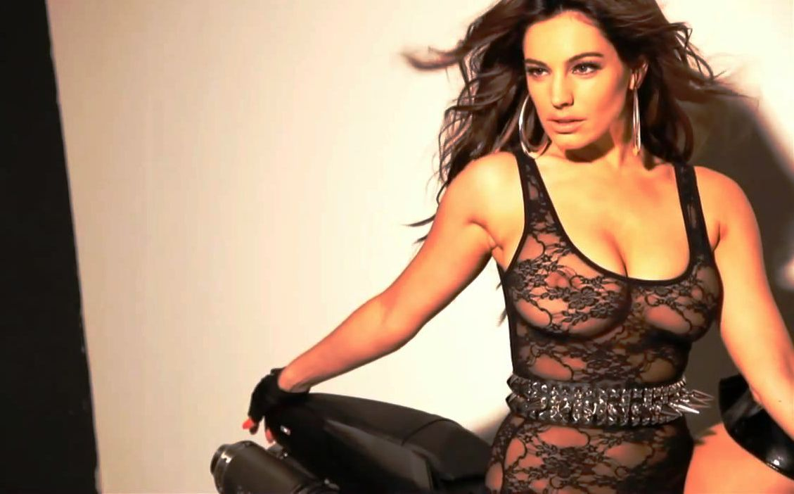 Kelly Brook Nip Slip