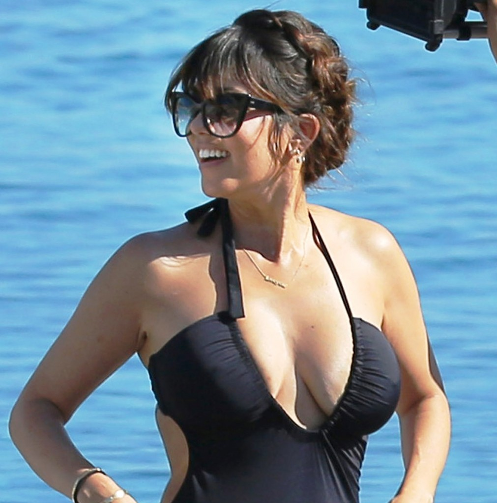 Kourtney Kardashian breasts 1011x1024 Kourtney Kardashians Big Tits In A Bikini