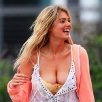 kate upton breasts