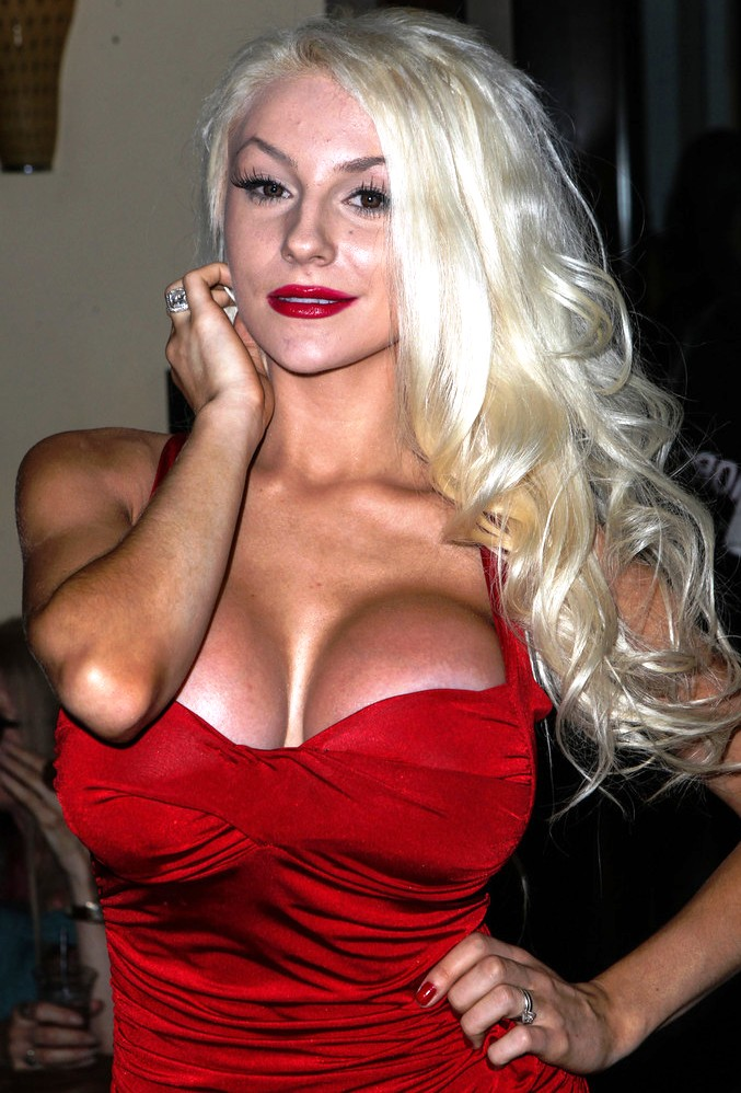 Courtney Stodden fake tits