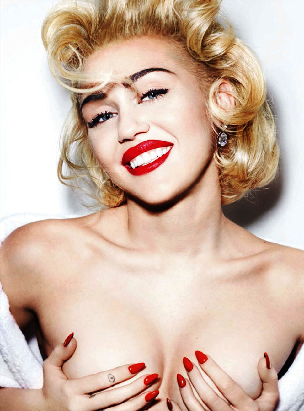 MILEY CYRUS NAKED IN VOGUE