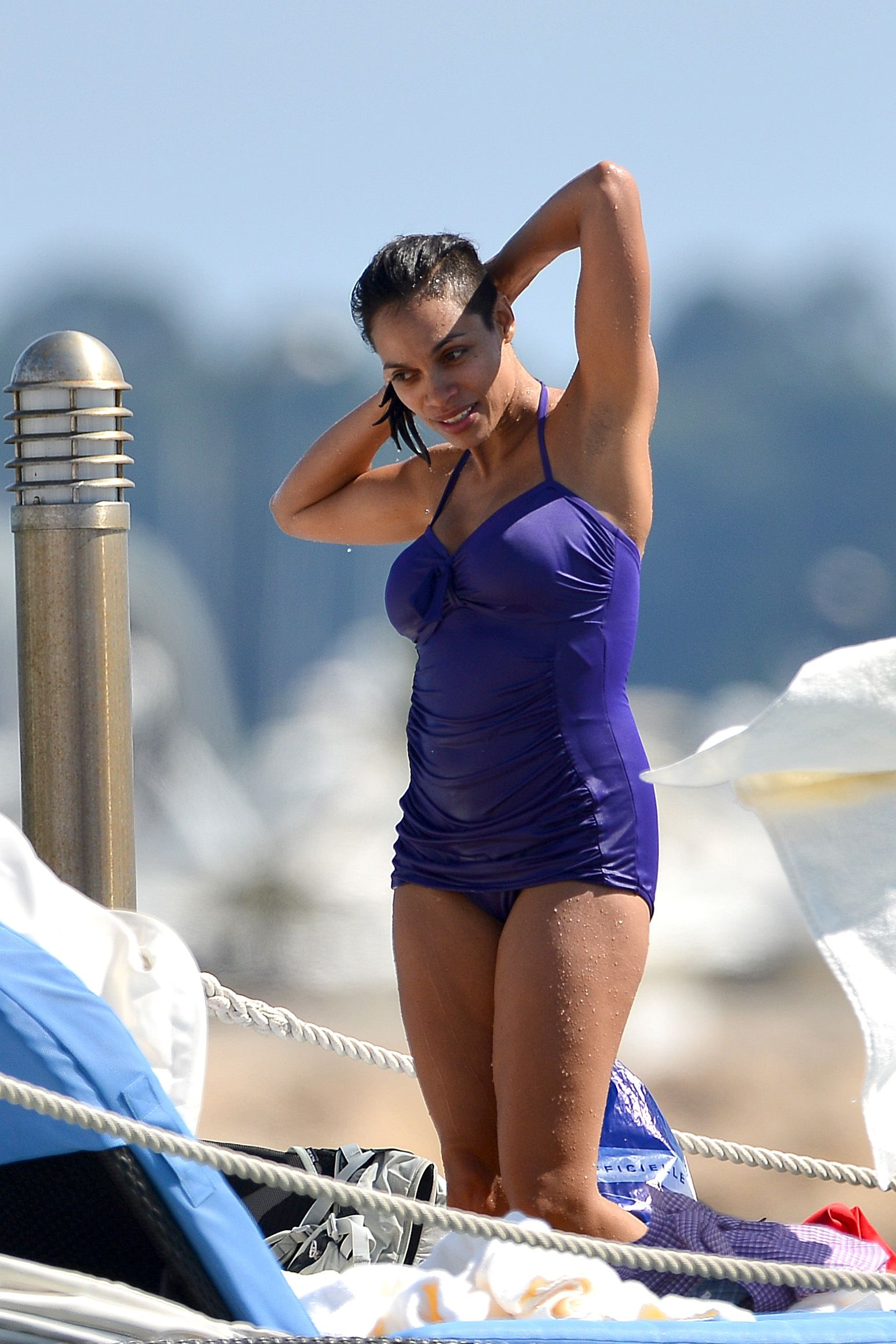 rosario dawson bathing suit (1)