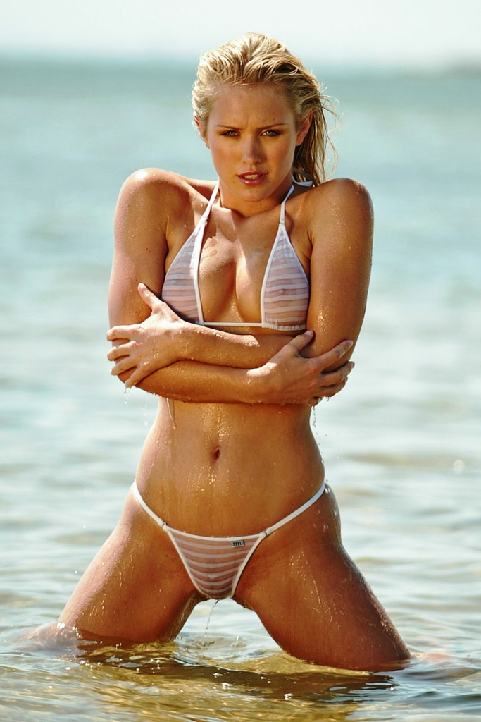 nicky whelan naked body