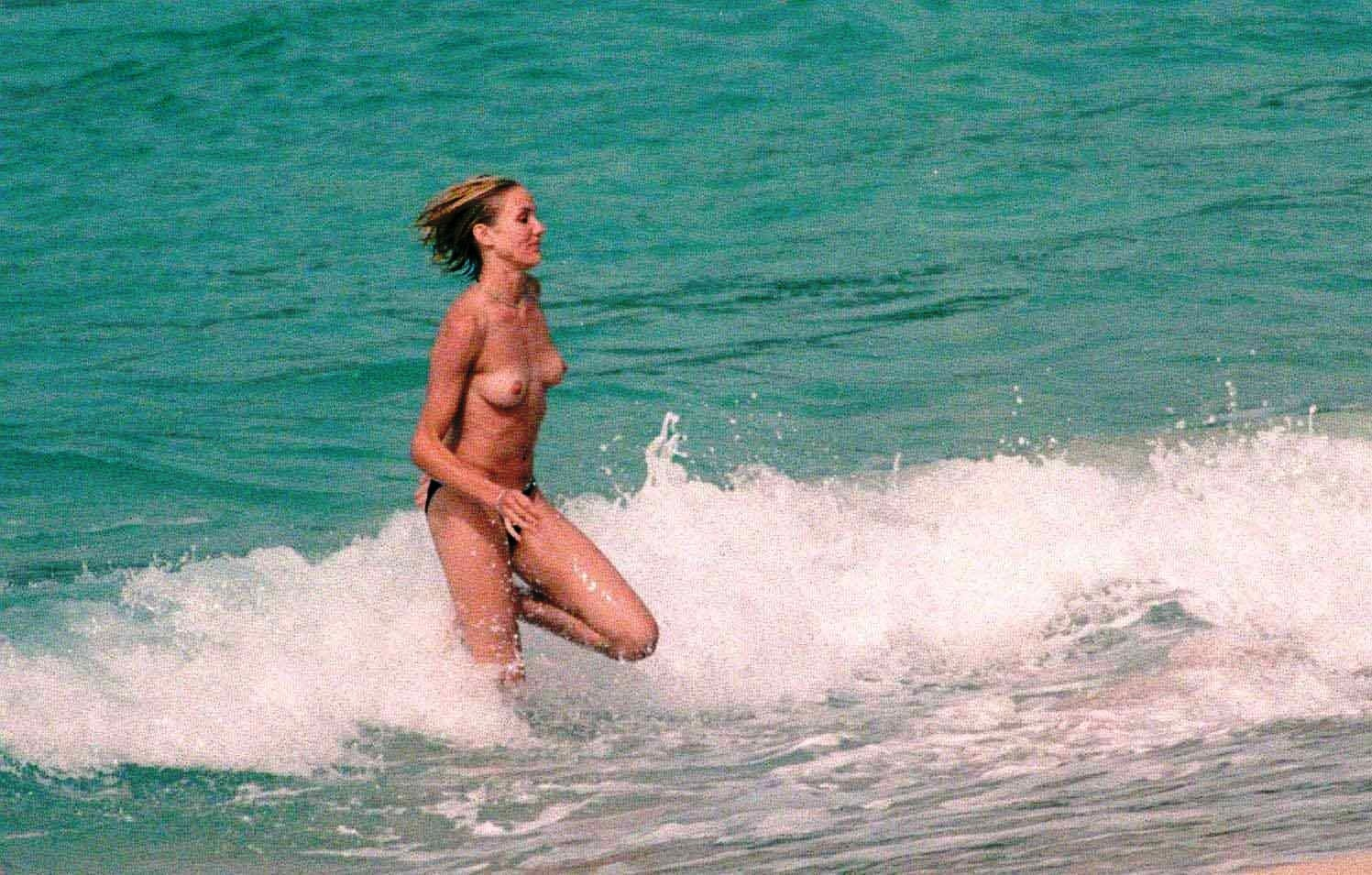 cameron diaz young naked (7)