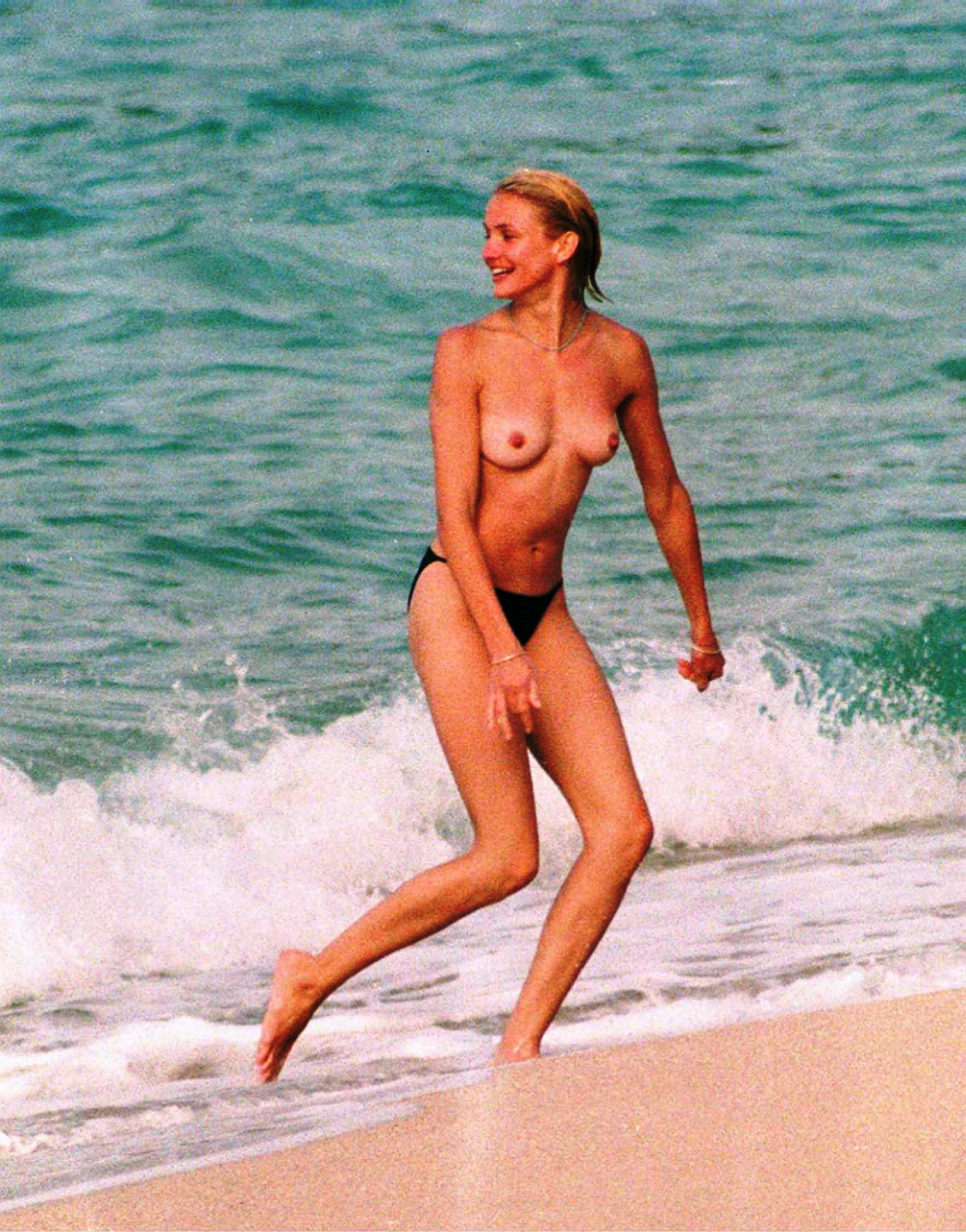 cameron diaz young naked (6)