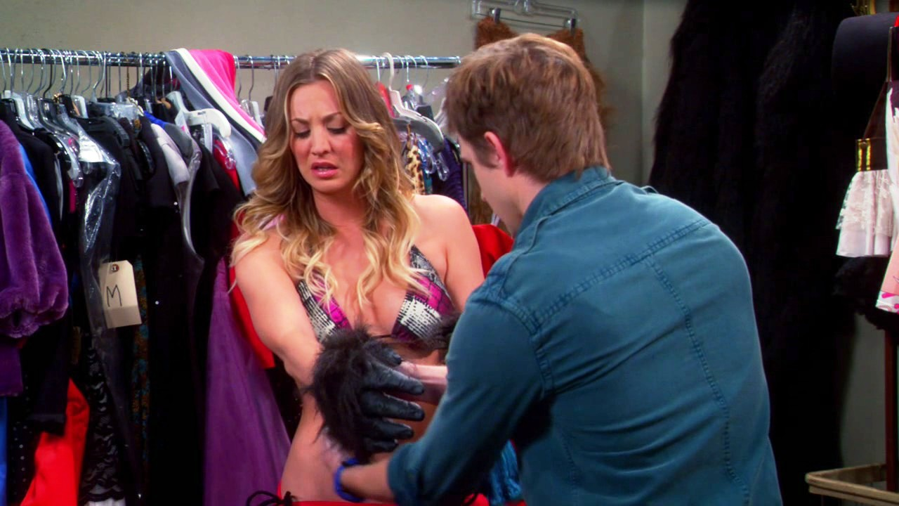 kaley cuoco breasts on big bang (7)