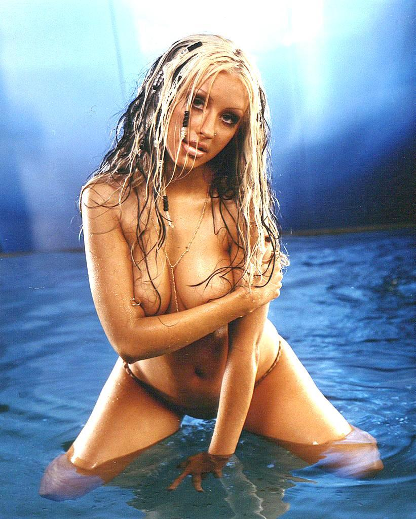 christina aguilera young naked (36)