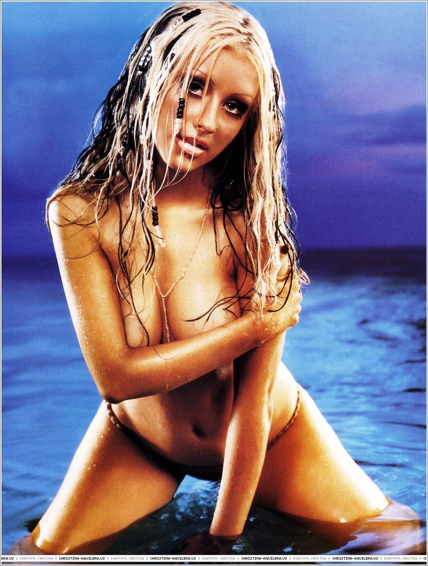 christina aguilera young naked (35)