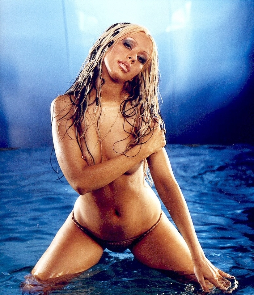 christina aguilera young naked (34)